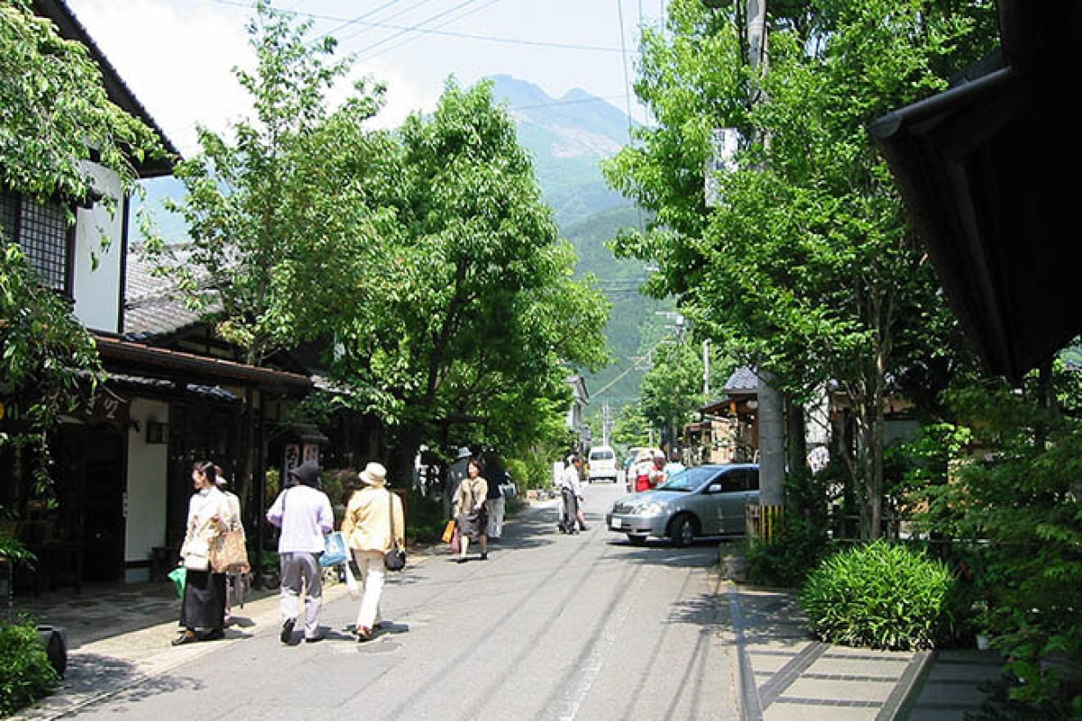 Yu no Tsubo Road in Yufuin